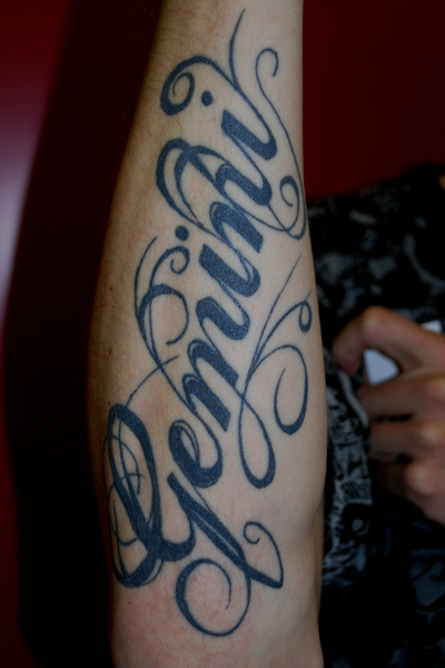 Tatouage Lettre Sur Poignet -